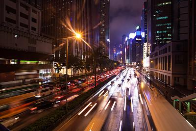 市区路,汽车,安全护栏,拥挤的,星迹,水平画幅,夜晚,无人,陆用车,交通