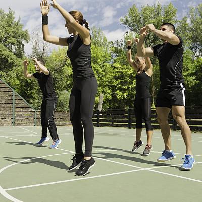 有氧运动法,有氧运动教师,心血管运动,篮球运动员,健身课程,天空,四肢,努力,男性,仅成年人