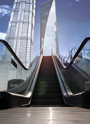 浦东,建筑业,上海,中苏格兰,陆家嘴,垂直画幅,天空,透过窗户往外看,无人,交通