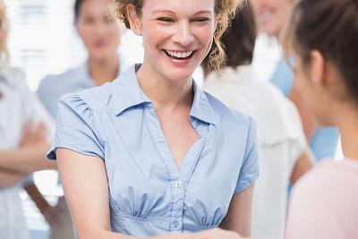 女商人,快乐,见面问候,办公室,30到39岁,水平画幅,会议,套装,商务会议,白人