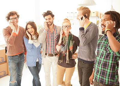 青年人,少量人群,商务关系,男商人,新创企业,男性,仅成年人,技术,设计师,青年男人