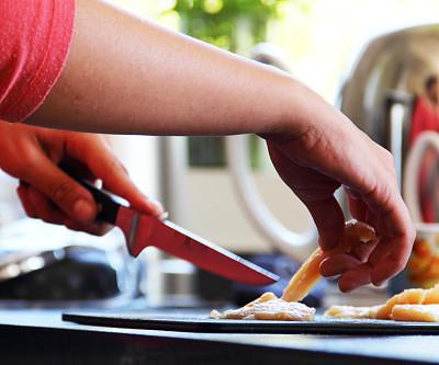 食品,厨房,嫩煎食品,水平画幅,餐刀,膳食,白人,锅,特写,部分