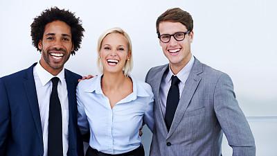 非凡的,一群男人中间的一个女人,专业人员,肖像,办公室,注视镜头,非洲人,看,幸福,商务人士