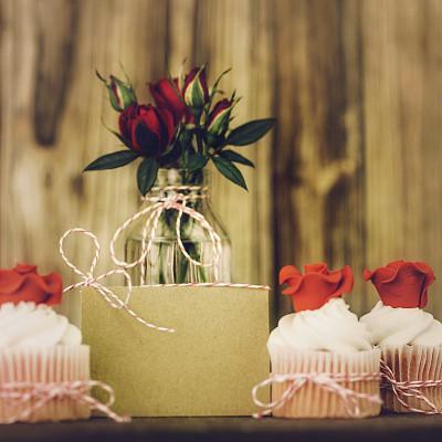 消息,结婚请柬,礼物标签,贺卡,留白,水平画幅,无人,蛋糕,古典式,标签