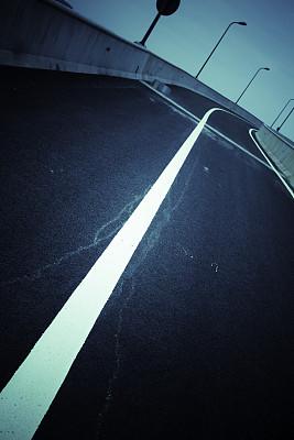 路,抽象,路钉,滑板坡道,垂直画幅,天空,夜晚,陆用车,都市风景,多车道公路