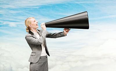 女商人,快乐,扩音器,正面视角,天空,领导能力,半身像,水平画幅,美人,人的嘴