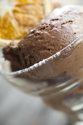 巧克力慕斯,垂直画幅,无人,巧克力,慕司,糖粉,橙子,甜点心,甜食,图像