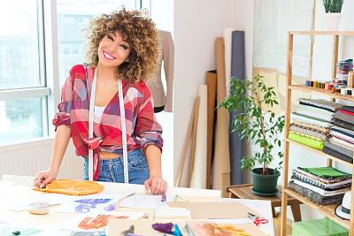 青年人,时尚设计师,时尚造型师,办公室,美,水平画幅,工作场所,美人,白人,图像