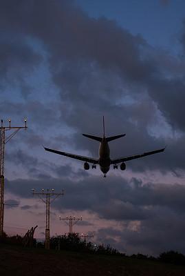 飞机,红绿灯,喷气机,垂直画幅,天空,高视角,早晨,涡轮,机翼,高处