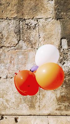 气球,垂直画幅,风,艺术,墙,古典式,夏天,生日,特写,明信片
