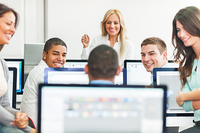 计算机实验室,教师,成年的,讲师,非裔美国人,男商人,男性,it技术支持,仅成年人,知识
