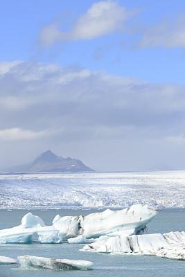 冰山,杰古沙龙冰川湖,瓦特纳冰原,冰岛中南部,冰川泻湖,杰古沙龙湖,垂直画幅,水,雪,无人