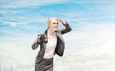 不看镜头,女商人,天空,美,半身像,水平画幅,美人,套装,白人,仅成年人