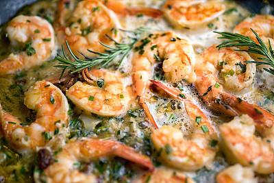 挪威海蜇虾,嫩煎食品,黄油,橄榄油,jumbon,食用大虾,牛至,格子烤肉,留白,胡椒