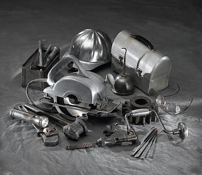 设备用品,油壶,旋转刀片,大锤,拔钉锤,钻孔机附件,圆锯,槌棒,手电筒,电动工具