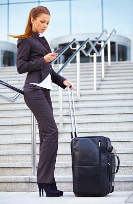 机场,女商人,套装,垂直画幅,高视角,图像,经理,不看镜头,仅成年人,现代