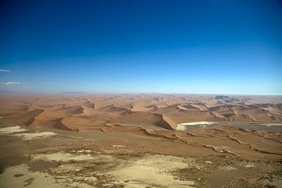 航拍视角,沙漠,纳米比亚沙漠,苏丝斯黎,纳米布沙漠,盐滩,水平画幅,橙色,高视角,山