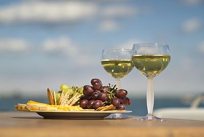 葡萄酒,脆饼干,奶酪,葡萄,饮食,白葡萄,桌子,水平画幅,无人,湖