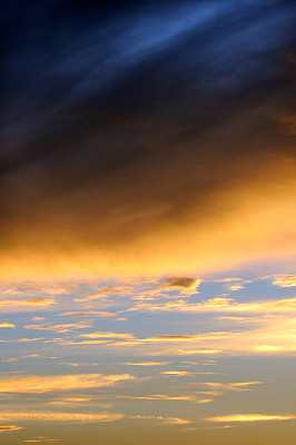 垂直画幅,天空,灵感,曙暮光,云景,非凡的,阳光光束,黑云压城,金色,自然