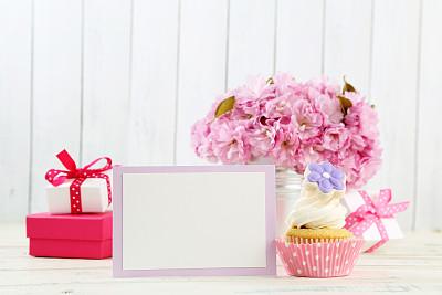 贺卡,仅一朵花,留白,边框,水平画幅,无人,蛋糕,标签,礼物标签,生日