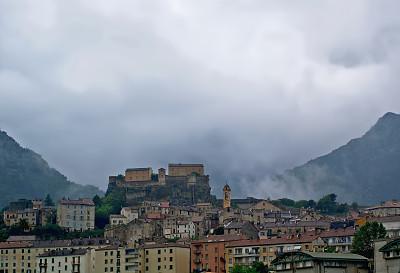 古城,雾,高科西嘉,科西嘉,丘陵起伏地形,城镇景观,雨,冬天,城镇,著名景点