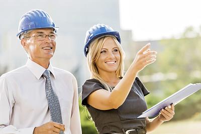 建筑师,两个人,做计划,30到39岁,建筑承包商,水平画幅,户外,白人,男商人,文档