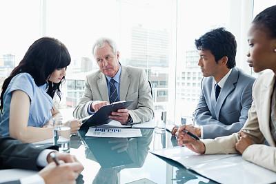 写字板,经理,职业,一个人,办公室,30到39岁,半身像,水平画幅,会议,套装