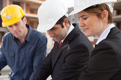 建筑承包商,男商人,男性,仅成年人,建筑业,工业,青年人,专业人员,信心,头饰
