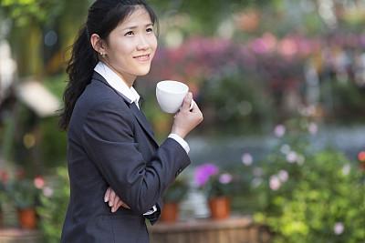 咖啡,女商人,套装,饮料,仅一朵花,仅成年人,青年人,正装,商务
