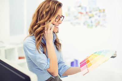 设计师,女性,文档,仅成年人,眼镜,现代,青年人,信心,技术,商务