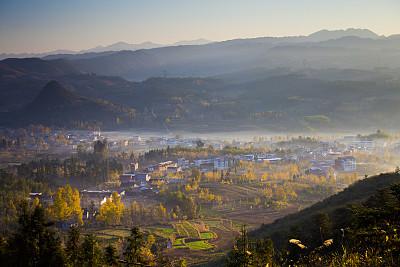 早晨,小的,山庄,银杏树,桂林,水平画幅,无人,夏天,户外,山
