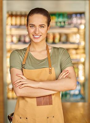 女招待,咖啡机,垂直画幅,业主,咖啡店,电子邮件,服务业职位,商店,新创企业,餐饮服务职业