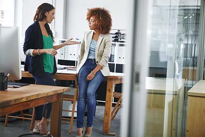 办公室,一见钟情,仅成年人,青年人,专业人员,信心,会议室,书桌,商务,女人