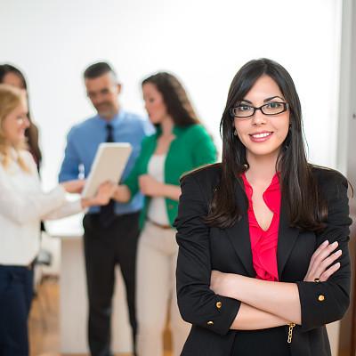 女商人,商务关系,领导能力,套装,经理,男性,仅成年人,眼镜,现代,青年人