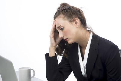 女人,使用电脑,办公室,水平画幅,青年女人,咖啡,商务人士,青年人,过度劳累,室内