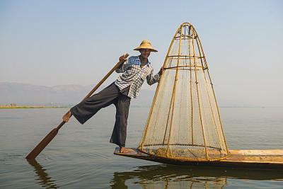 茵丽湖,缅甸,渔夫,因雅族人,独木舟,桨,渔网,四肢,水平画幅,腿