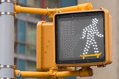 人行横道,道口标志,红绿灯,城市生活,交通,行人,户外,滑板,纽约,照明设备