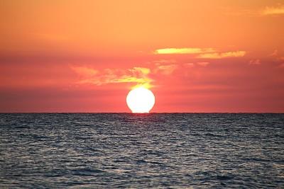 太阳,日光,水,天空,水平画幅,无人,早晨,夏天,户外,云景