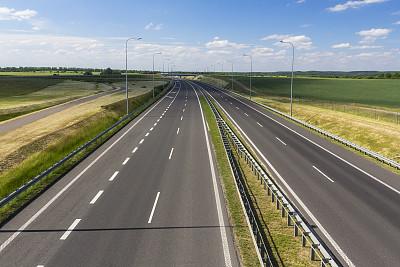 公路,波兰,科沙林,防撞护栏,天空,水平画幅,无人,夏天,户外,交通方式