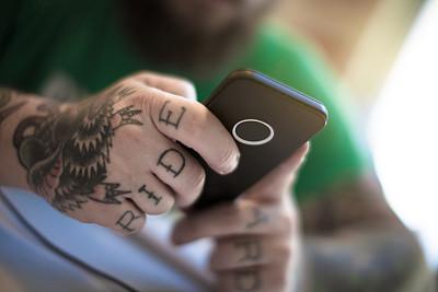 男人,电子邮件,仅成年人,图形界面,现代,网上冲浪,青年人,技术,商务,女人