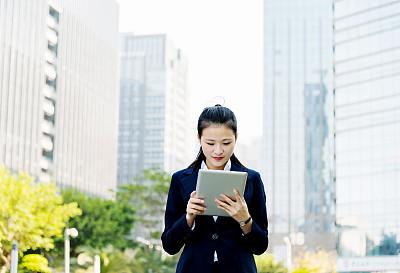 女商人,使用平板电脑,留白,半身像,套装,经理,仅成年人,现代,青年人,专业人员