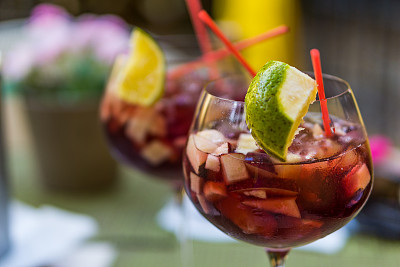 桑格利亚鸡尾酒,开胃酒,选择对焦,水平画幅,无人,鸡尾酒,含酒精饮料,夏天,饮料,两个物体
