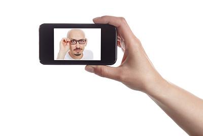 显示器,男人,看,好奇心,剃光头,敞开口子,秃头,正面视角,留白,男性