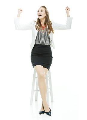 女商人,吧椅,垂直画幅,美,30到39岁,注视镜头,美人,套装,30岁到34岁,白人