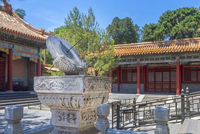 日晷,故宫,北京,雪飞檐,建筑檐口,屋檐,明朝风格,天空,留白,水平画幅