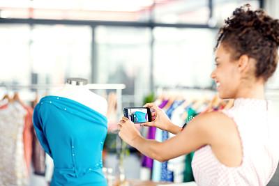设计师,智能手机,时尚,连衣裙,职业,时尚设计师,裁缝,仅成年人,青年人,专业人员