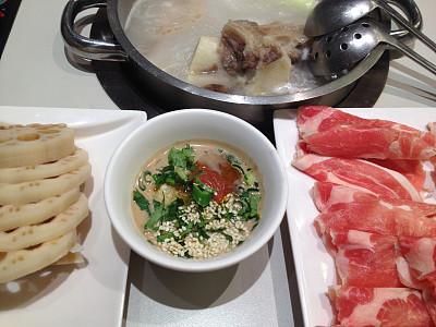 波特派,火锅,日式火锅菜,莲藕,水平画幅,无人,生食,羊肉,开胃酱,调味品