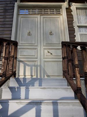 古典式,门,房屋,垂直画幅,窗户,褐色,纹理效果,墙,建筑,木制