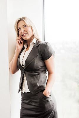 女商人,垂直画幅,30到39岁,白人,仅成年人,现代,专业人员,商业金融和工业,技术,成年的