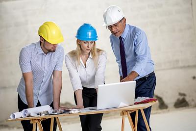 做计划,下一步,建筑承包商,男商人,经理,安全帽,男性,仅成年人,现代,建筑业